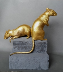 The Lovely Rats Sculpture